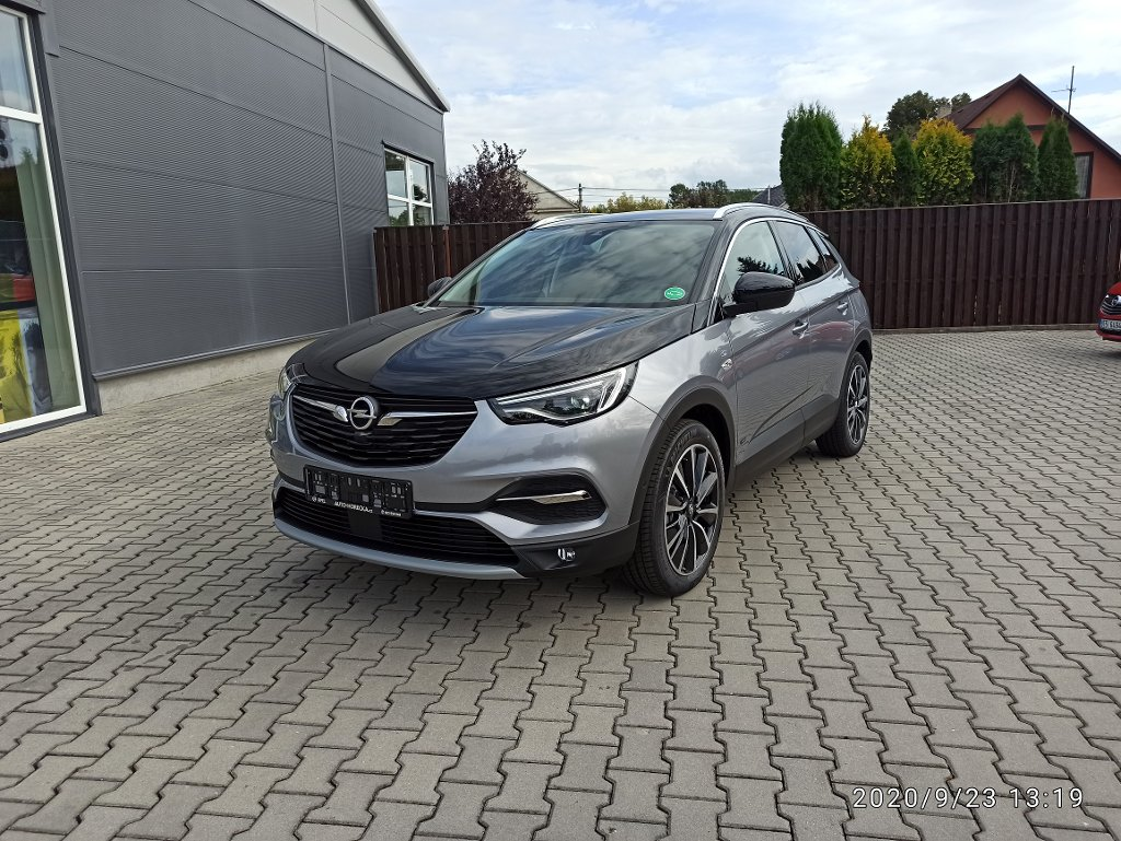Opel Grandland X ULTIMATE PLUG IN 221kW 4x4